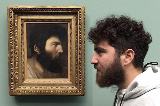 Όταν η selfie σου έχει θέση στα μεγαλύτερα μουσεία του κόσμου!