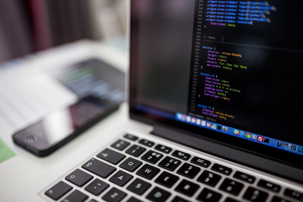 Κατασκευή website μέσω CMS ή Custom Hard Coded; Ερωτήσεις και Απαντήσεις